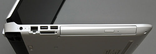 本体左側面。左から電源コネクター、LANコネクター、USB2.0コネクター×USB3.0コネクター×1、SDカードスロット、オプティカルドライブ。