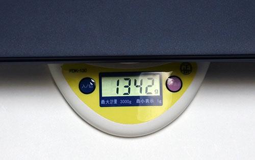 重量は1.34kg。