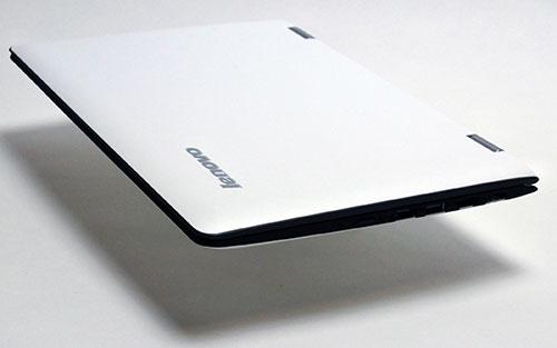 本体の厚さは、先端部分が約7ミリから最厚部分21.8mmと薄すくなっています。
