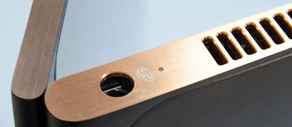 ダイヤモンドカッターによる質感の高い側面部分。