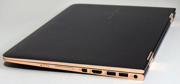 本体右側部。右から17.ヘッドフォン出力/マイク入力コンボポート、USB3.0コネクター(電源オフUSBチャージ機能対応)、HDMI出力端子USB-Cコネクター、14.Mini DisplayPort、音量ボタン、Windowsボタン。