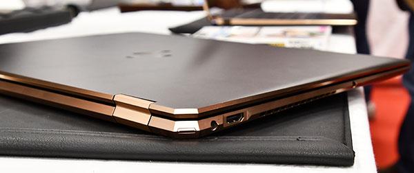 本体デザインは、従来のSpectre x360シリーズのカラーに本体後部を斜めにカットしたデザインを採用。