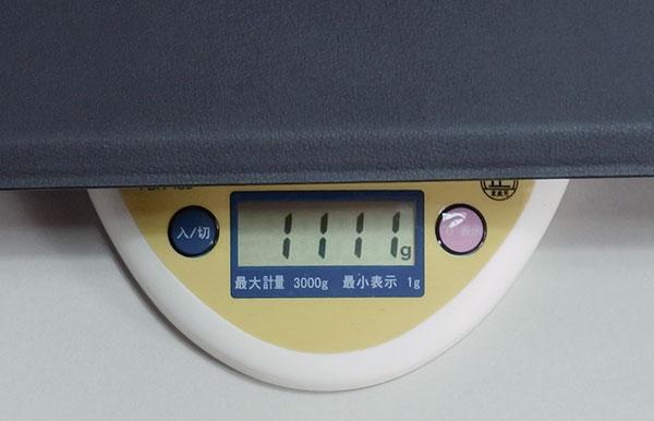 タブレット+キーボード装着重量1.111kg。(X1 Tabletは992g)