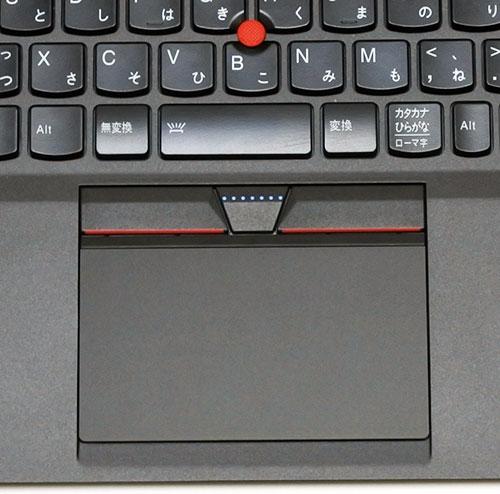 新しいOS Windows 8.1には、キーボード中央にある赤い丸でおなじみのトラックポイント、大型のガラス製タッチパットの二つの操作デバイスで快適にWindows 8.1が操作できます。