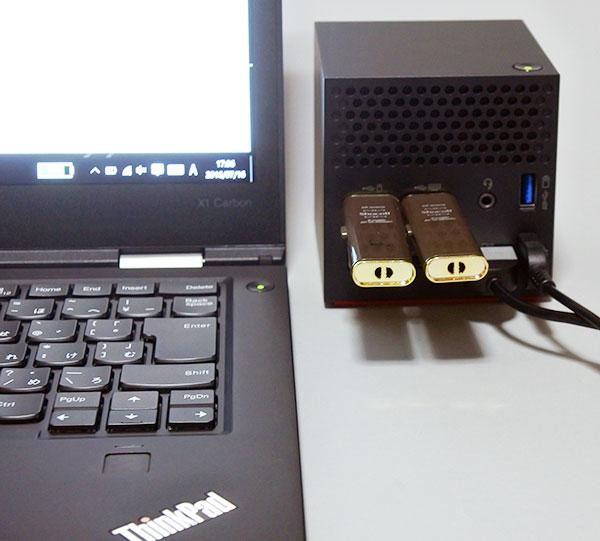 本体液晶は、標準でフルHD解像度(1600×900ドット)から高解像度WQHD(2560×1440ドット 300nit)と10点マルチタッチ対応高解像度WQHD(2560×1440ドット)液晶が選択できます。レビュー製品は高解像度WQHD(2560×1440ドット)IPSを搭載。