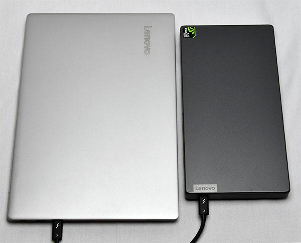 ideapad 720Sとの大きさ比較。