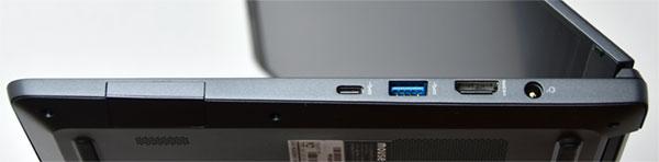 本体右側部。右から電源端子、HDMI端子、USB Type-A端子(USB 3.0)、USB Type-C端子(USB 3.0)。