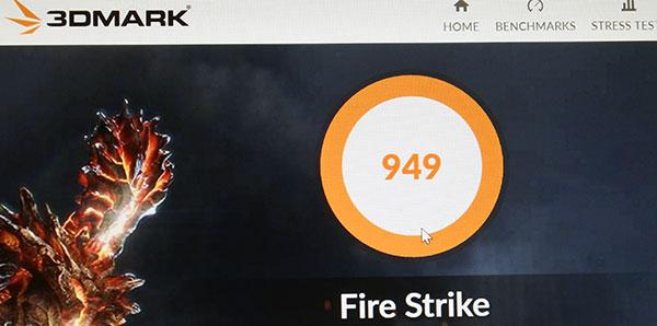 3DMark FireStrikeのスコア949