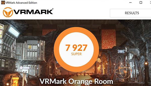 VR対応のGTX1070によるベンチマークソフトVRMARKでのスコア7927を記録。