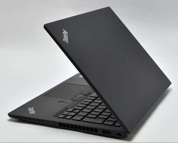 X1 Carbonを思わせるスタイリッシュになった本体デザイン。