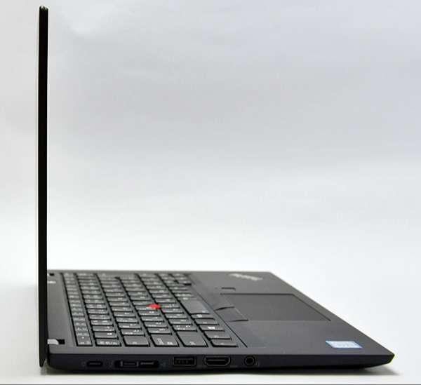 スタイリッシュなThinkPad X280の(サイド部分)。